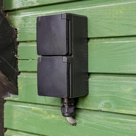 Spuitwaterdichte opbouwwandcontacdoos 16 A/250  Vac met randaarde, kind  Zwart