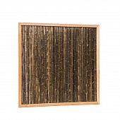 Bamboescherm van zwarte bamboestokken in douglas frame